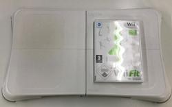Wii Fit tasapainolauta + peli