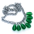 vihreät kristallipisarat kaulaketju