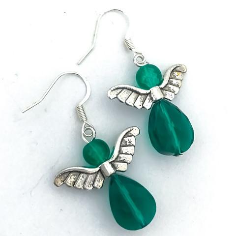 pienet siivekkäät vihreäkristalli korvakorut