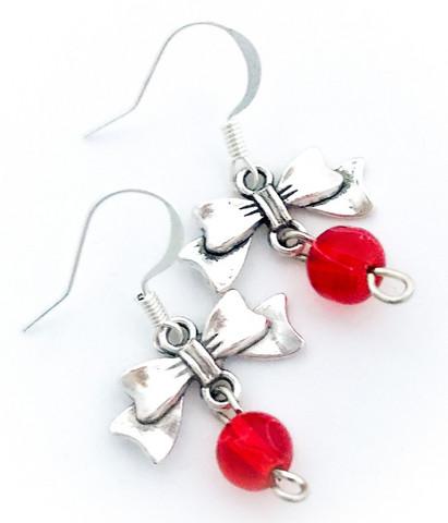rusettikorvakorut punaisella helmellä