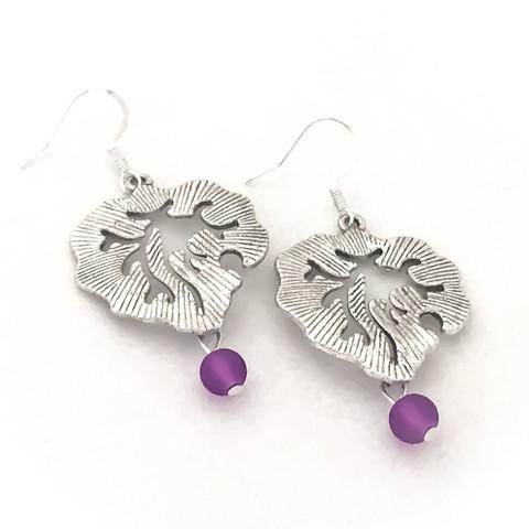 hopealehti violetti helmellä