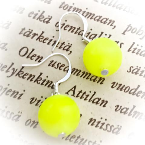 lasihelmikorvakorut  sitruunaperhonen 12mm