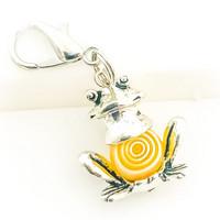 sammakko avain / laukkukoru valkoinen keltainen