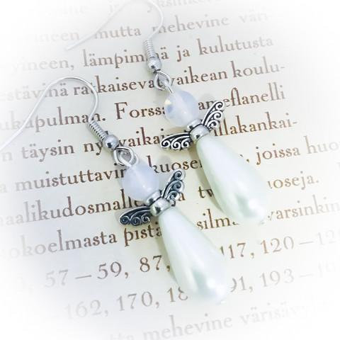 Pisarakeiju korvakorut valkoinen
