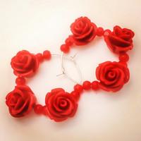 punaiset ruusut lasinkoriste