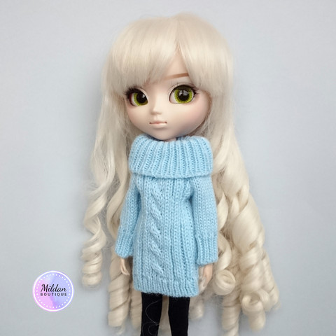Knitted sweater, light blue