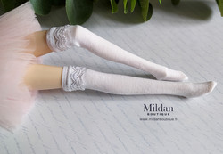Thigh high socks with lace - white
