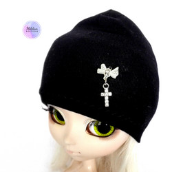 Beanie with cross, black
