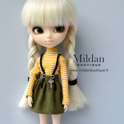 SET: skirt with straps and turtleneck