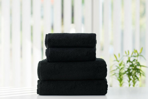LUIN LIVING BLACK Your Home Your Spa Pyyhkeet