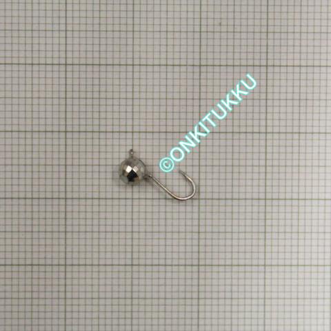 Volframi Prisma 4mm koukku #14 lenkki vaalea kromi