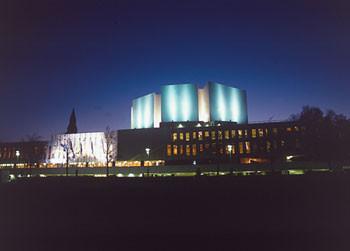 Postikortti Finlandia-talo Helsinki, iltakuva