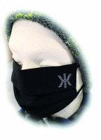 Kaija Koo bling bling hengityssuoja musta pienellä logolla