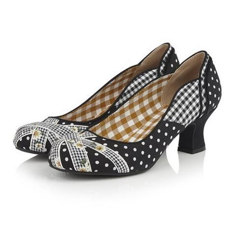 Musta/valkoinen kenkä