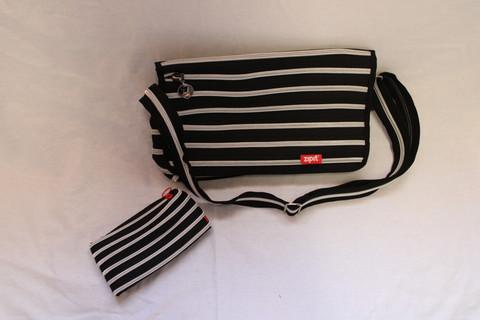 Mustahopea Läppärilaukku