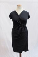 Pariisin malliston musta kapea mekko