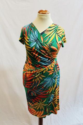 Pariisin malliston värikäs kapea mekko