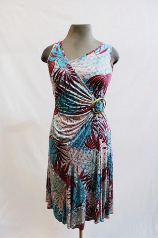Pariisin malliston peikonlehtikuvioinen joustava mekko