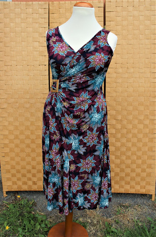 Pariisin malliston liila mekko