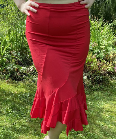 Pariisin malliston merenneitohelmainen hame, punainen