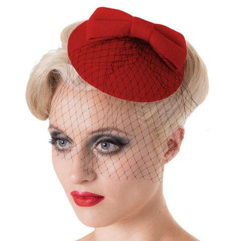 Hatukkeet, hiusklipsillä