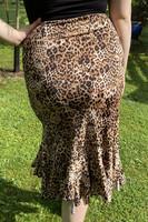 Pariisin malliston merenneitohelmainen hame, pieni leopardi kuosi
