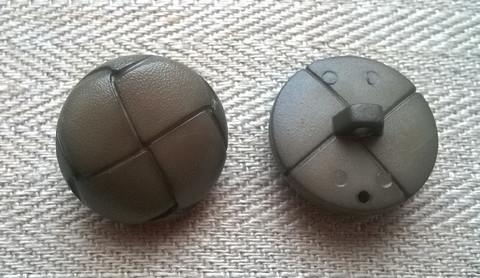 Vaalea khaki kantanappi, 23 mm