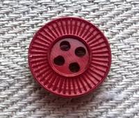Ruskeanpunainen perusnappi, kuviollinen, 14 mm