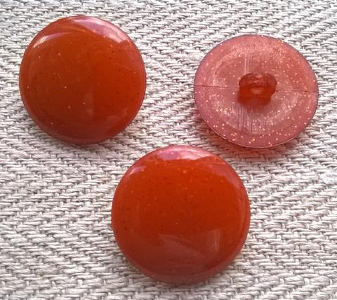 Punaruskea nappi, kimaltava, 17 mm