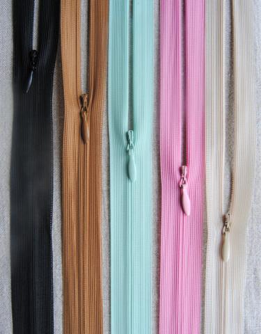 Piilovetoketju 60 cm, 14 väriä