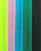 Takkivetoketju, spiraaliketju 70 cm, useita värejä