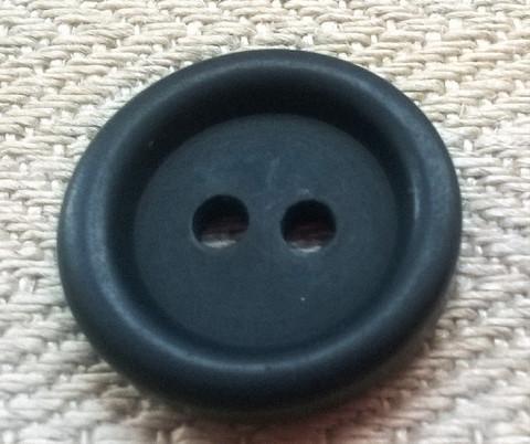 Musta perusnappi, 17 mm