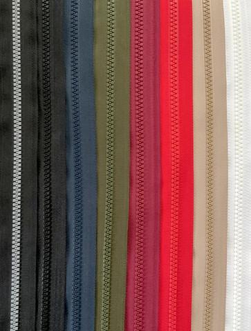 2-lukkoinen avoketju 70 cm, 8 väriä