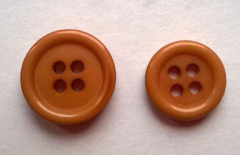 Kinuskinvärinen perusnappi, koot 11 mm ja 14 mm