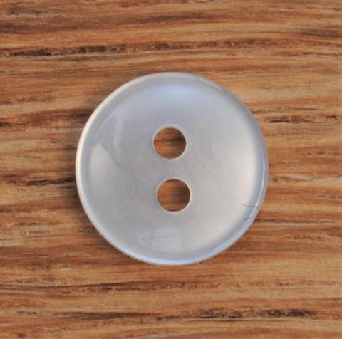Valkoinen paidannappi, koot 10 mm ja 11 mm