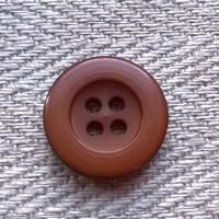 Toffeenruskea perusnappi, 14 mm