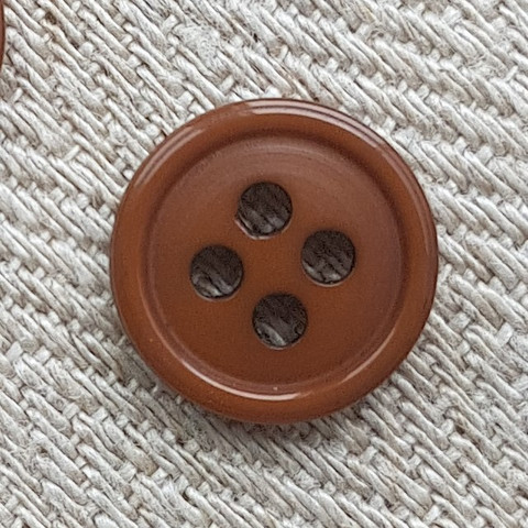 Ruskea perusnappi, 12 mm