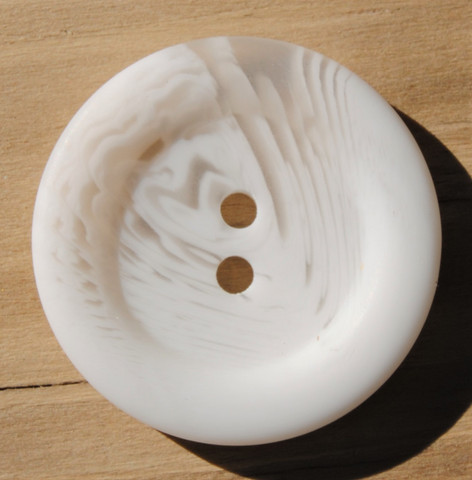Luonnonvalkoinen nappi, 25 mm
