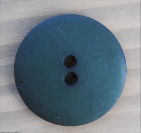 Tummanvihreä nappi, 28 mm