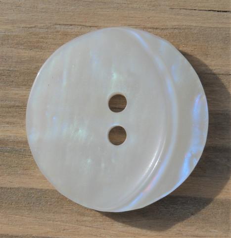 Helmenvalkoinen nappi, 23 mm