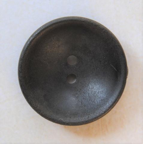 Tummanruskea puunappi, 23 mm