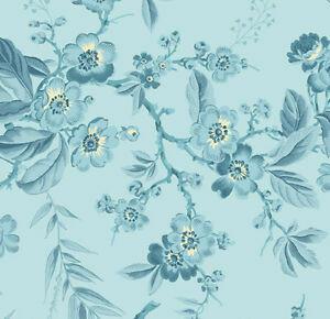 Vaaleansininen kukka- ja lehtikuvioinen puuvillakangas