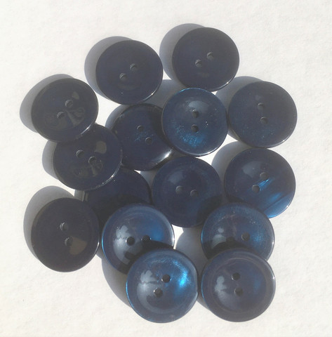Tummansininen nappi, 20 mm