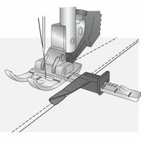 Pfaff Säädettävä ohjainjalka IDT-järjestelmällä