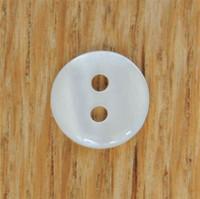 Helmenvalkoinen paidannappi, 10 mm