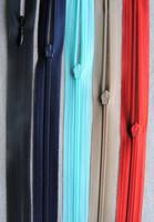 Piilovetoketju 50 cm, useita värejä