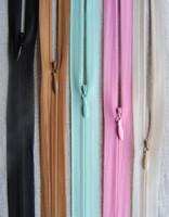 Piilovetoketju 60 cm, useita värejä