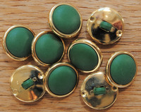Vihreä, kultareunuksinen kantanappi,  koko 15 mm