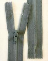 6 mm vetoketju, pituus 18 cm, 9 väriä