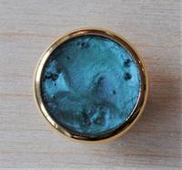 Sinertävä kultareunuksinen kantanappi, 15 mm
